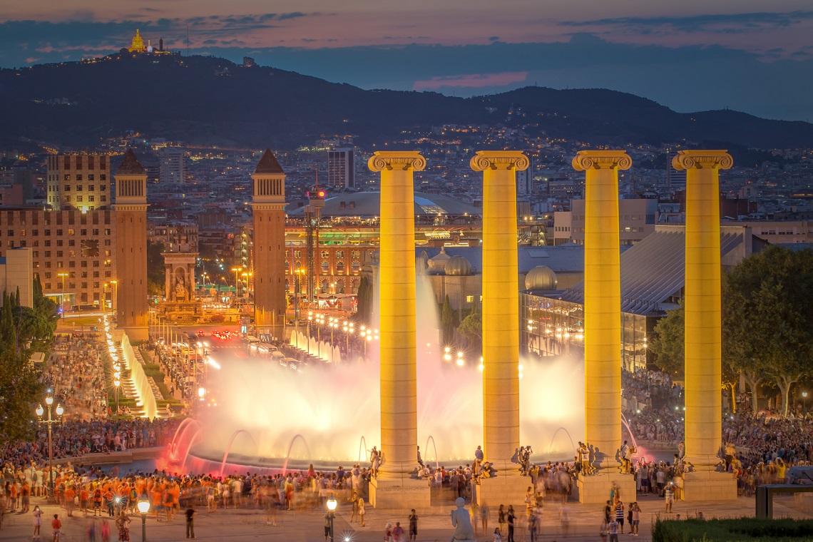 Los 10 mejores miradores de barcelona vuelos baratos for Espectaculo fuentes de montjuic